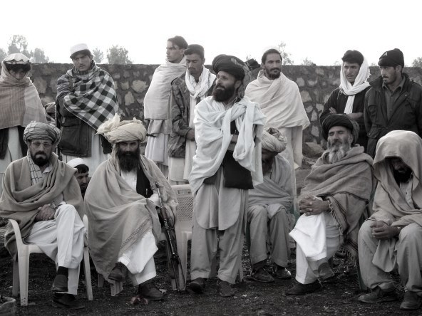 tribal-elders-gather-near-pakistan-border-eastern-afghanistan-20071