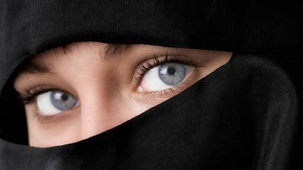 blue-eyes-and-burqas-1