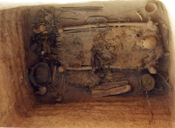 shaman-tomb-and-contents