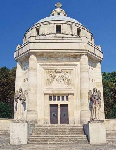 Rawclyde's Slovakian Tomb